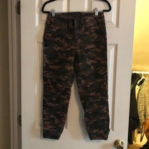DARLING army print cropped jeans